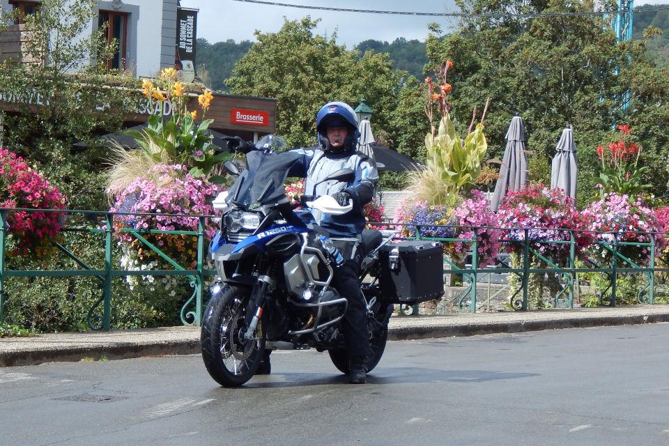 Motorrijbewijspoint Bergen op Zoom examengarantie AVB en AVD